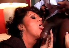 Spoiled brunette hair mom gives a head to strain darksome penis of hotel waiter
