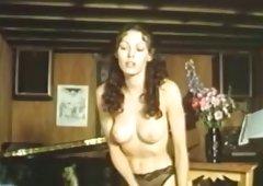 Old lesbian babes seduce amateur sweetie Annette Haven
